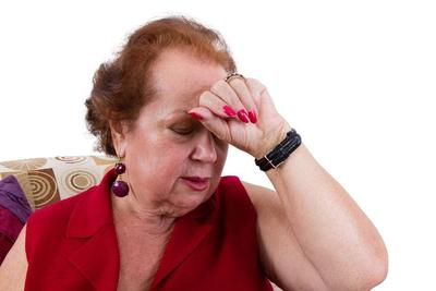 脑内有栓,头部先知?若头部出现这4个现象,暗示脑血栓很严重