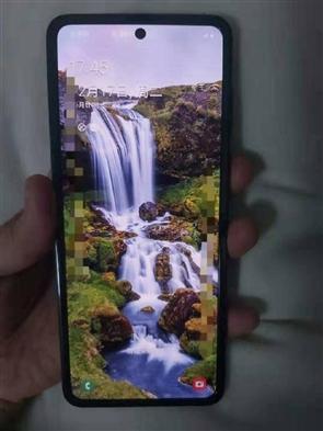 爆料称三星Galaxy Fold 2将搭载可折叠玻璃保护屏