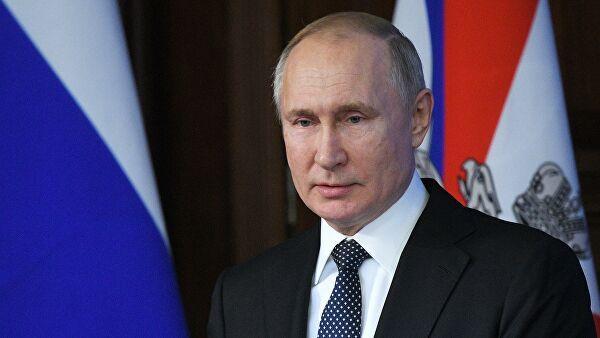 普京:现代武器在俄罗斯三位一体核武器中的比例达到了82%