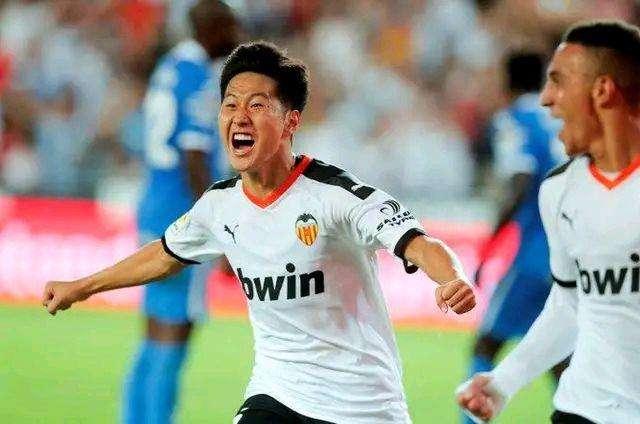 2019年,哪个球星让中国球迷吃最多柠檬?我选择韩国18岁的李刚仁