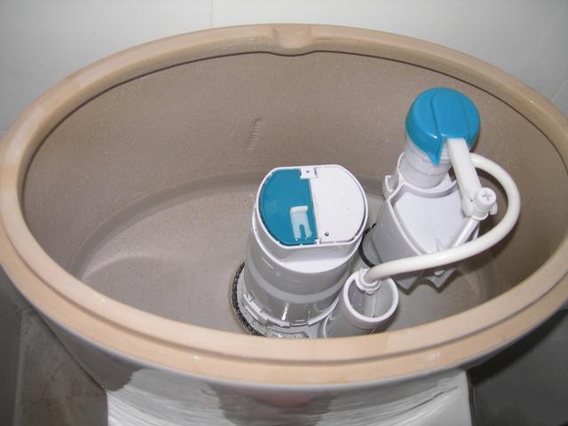 马桶冲劲小,只需要把这样操作一下,出水量又大又猛