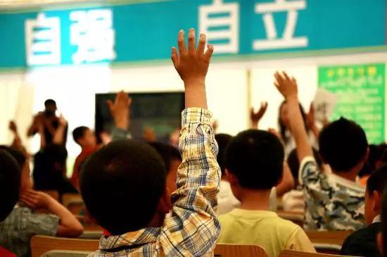 美国留学 丨 拿A+的中国学霸却不敢在课上开口说话,这怎么治?