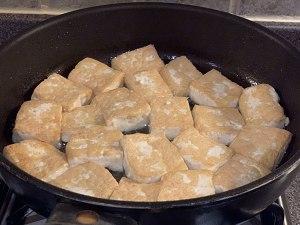 这才是豆腐正确的家常做法,外酥内软,比麻婆豆腐还好吃,太香了
