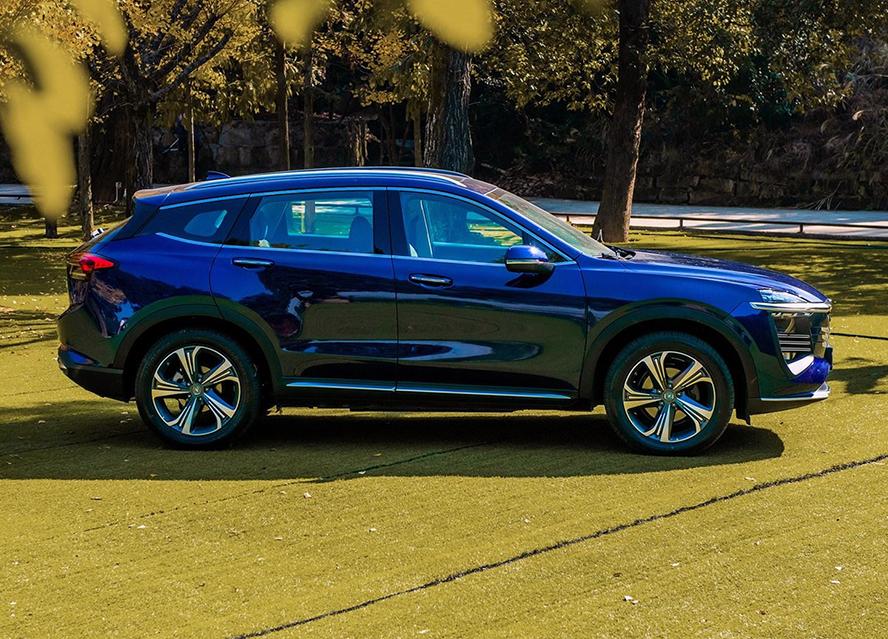众泰打造的SUV新车TS5曝光,终于开始原创设计,两个字:漂亮!