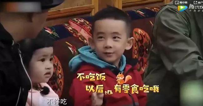 Jasper劝饺子吃饭上热搜,陈小春这个暴脾气如何养出高情商小暖男?