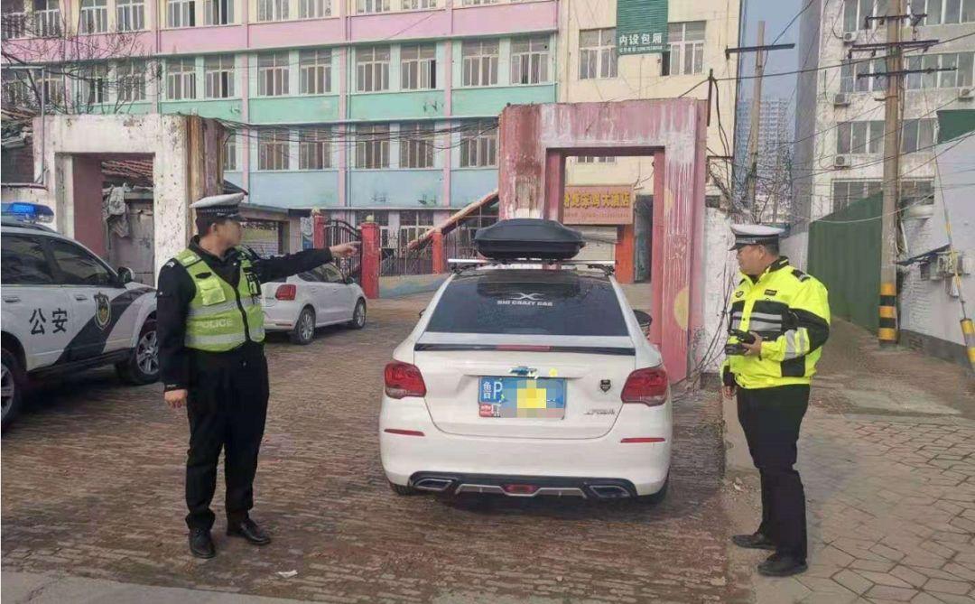 网友举报这辆车夜间炸街扰民,聊城交警:严惩!