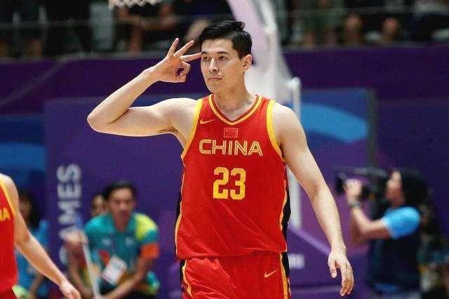 战国际泳联冠军泅水赛 刘湘笑靥如花孙杨表示完善