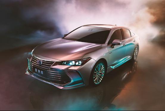 亚洲龙2.5L燃油版和混动版怎么选?