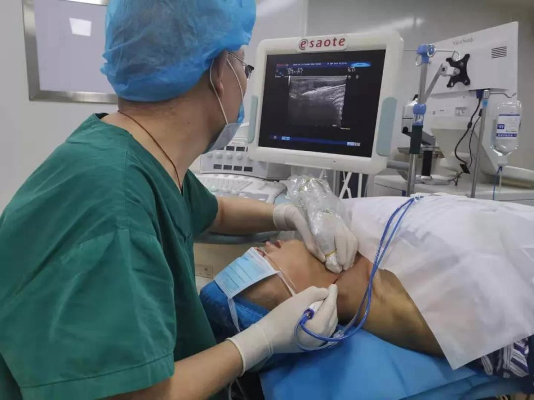 甲状腺结节手术后图片
