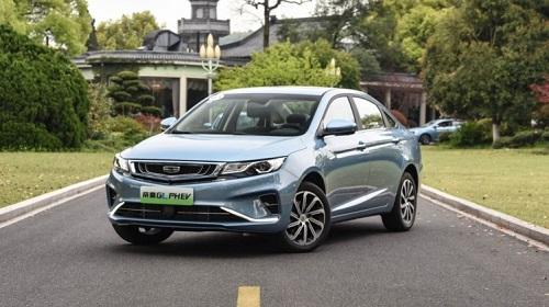 2020年即将到来,如何选择插电式混合动力和燃油汽车?帝豪GL PHEV与大众朗逸对比