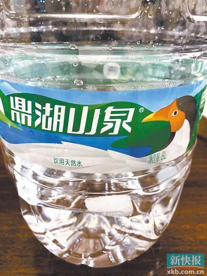 桶装水里发现异物 商家只愿意多赔偿一桶水