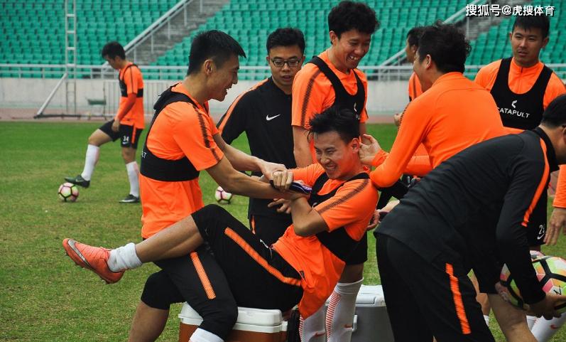 京媒:归化是猛药非良药 深耕青训才是中国足球出