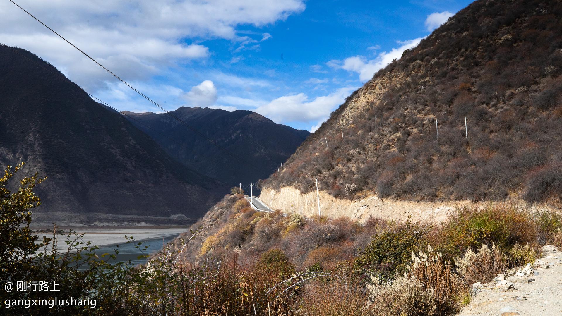 自驾318国道,两江汇流处有什么特别?网友们说值得停留