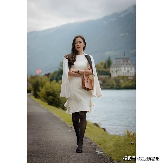 原创             孙艺珍长相普通?奔四的她仍有初恋脸+清新气质,穿搭美成教科书