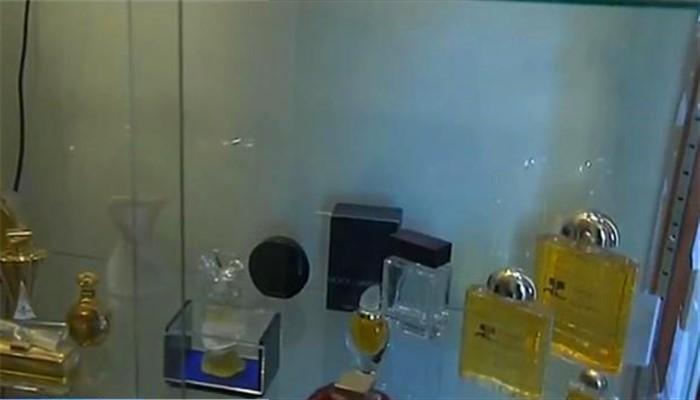 成本价15%?法国媒体披露大牌香水昂贵内幕