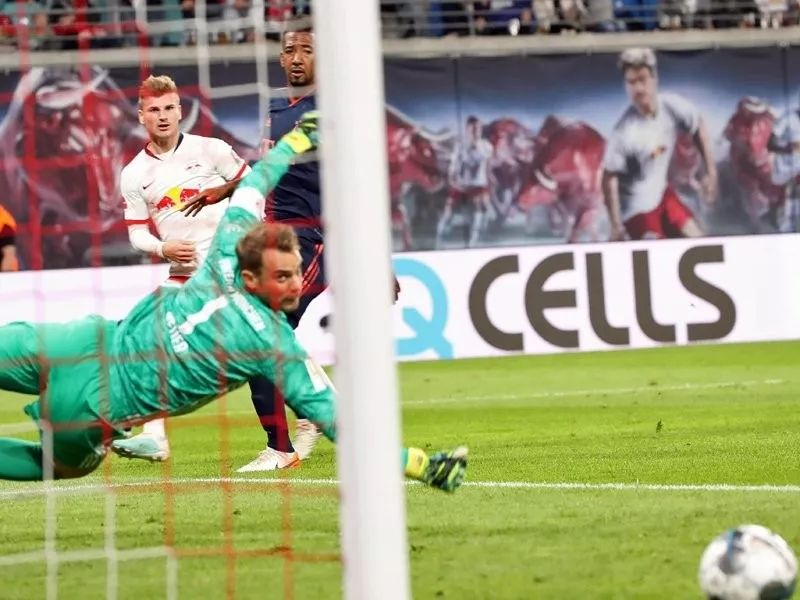 火爆!巴萨马竞场上起冲突 梅西为队友出面顶牛_马里奥Ebenhofer