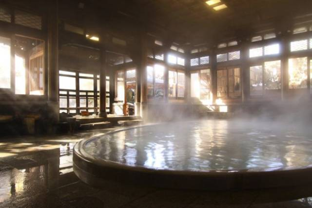 冬天去日本泡这些绝景温泉,别人会觉得你很懂!
