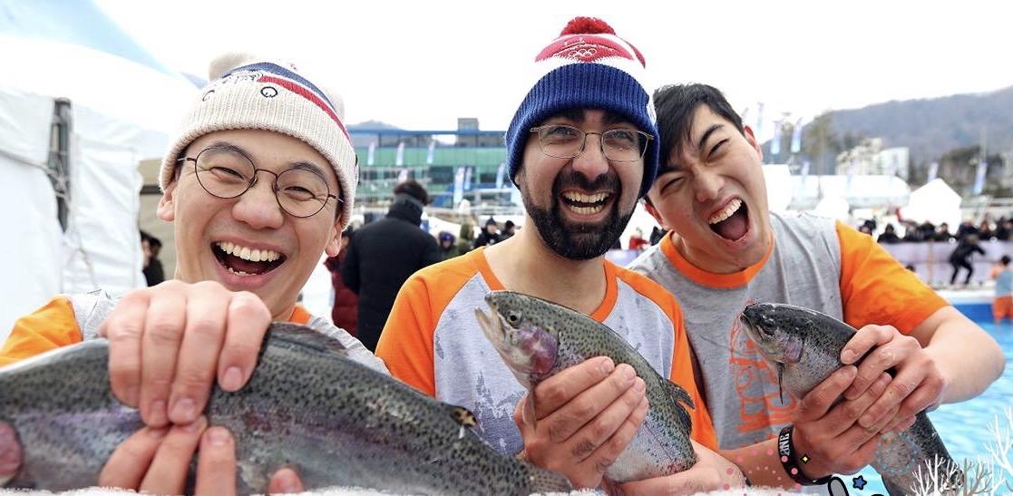 到此一游丨赤手捕鱼、帐篷垂钓,江原冰雪节活动多