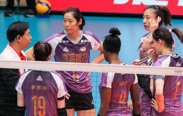 拒绝逆转!天津女排3-2险胜卫冕冠军,连续3年进决赛,朱婷28分_李盈莹