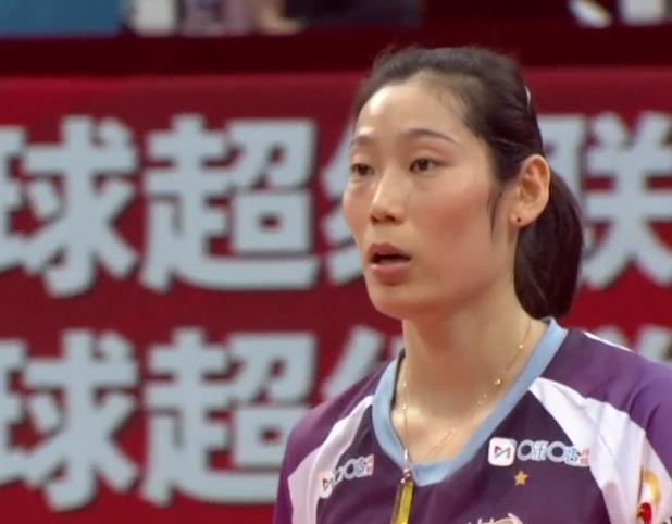 卫冕冠军出局!朱婷28分打服中国联赛冠军,生涯首次争夺国内冠军_天津女排