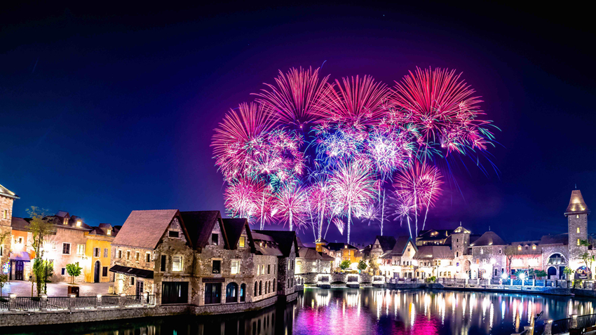 迪拜购物节盛大启幕,对中国游客实行免签,炫丽烟火点燃节日氛围