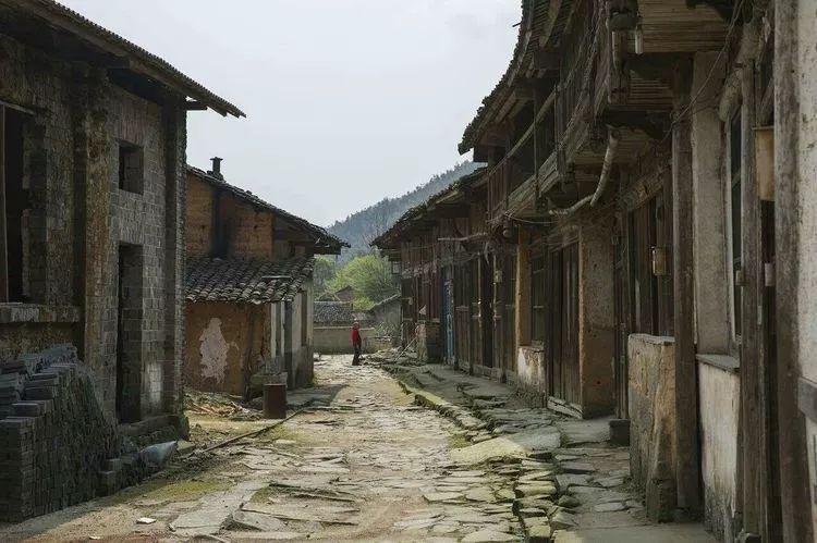 揭开宜丰这座千年古村的神秘面纱,探索它的历史足迹与原始风情!