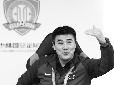 王少杰全场10+11进献两双表示 篮板创下生活生计新高