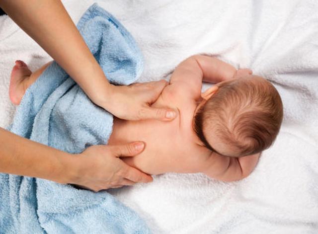 """冬天宝宝咳不停?儿科医生:把握""""三多三少"""",再冷也不生病"""