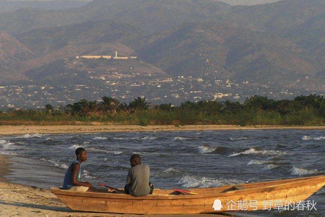 <b>全球第二深湖,淡水资源储存量是中国六</b>