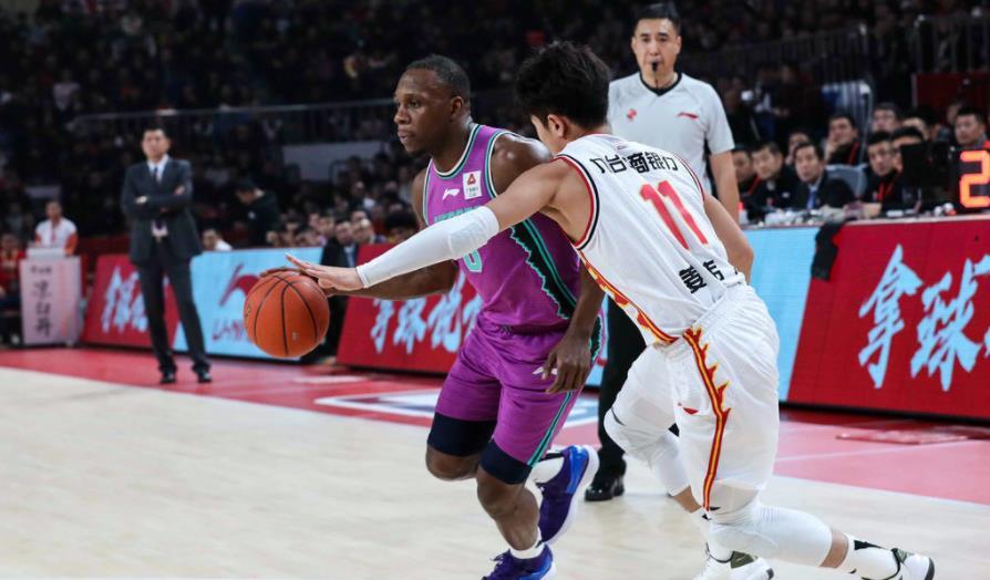 单节5次助攻,19岁神射不止会投篮,吉林男篮输球却有意外收获_姜伟泽