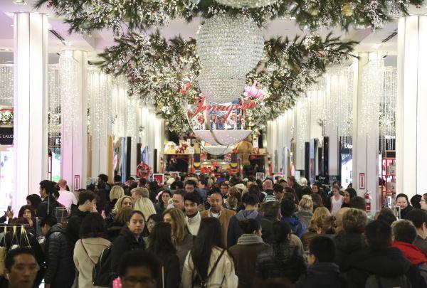 """今年美国购物季为六年最短 但受到""""这方面""""提振——"""