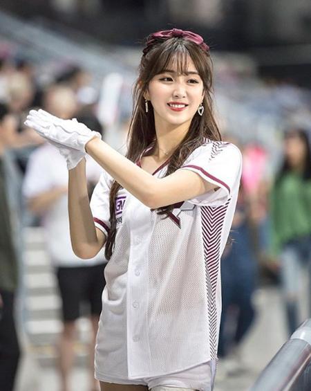 棒球拉拉队长竟成韩国最火女星,中国体育太低端,没有造星功能?_安智玄