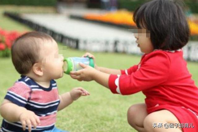 二胎政策放开后,人们却不愿意再生孩子了,现实的原因让人无奈