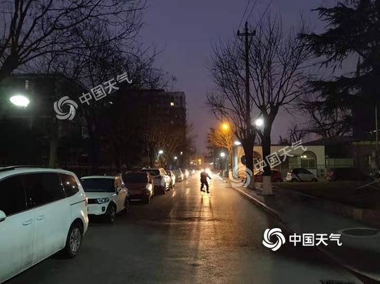 强冷空气来了北京降温达10℃北风呼啸到明天
