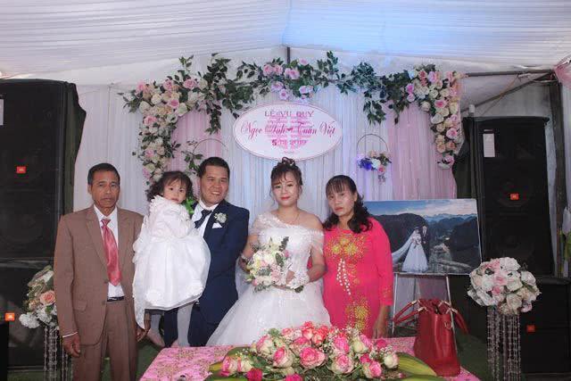 24岁女子带俩娃嫁同是带俩娃的离异男,组建6口之家后生活幸福