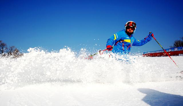 第六届北京市属公园冰雪游园会开幕 预计开放公园面积近百万平米