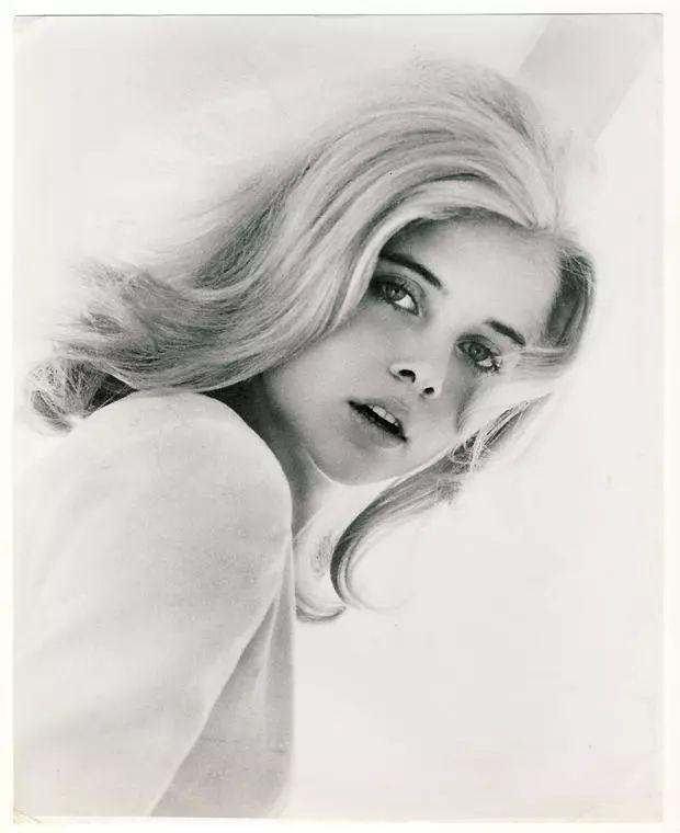 <b>库布里克版《洛丽塔》女星去世!戴太阳镜舔棒棒糖成经典</b>