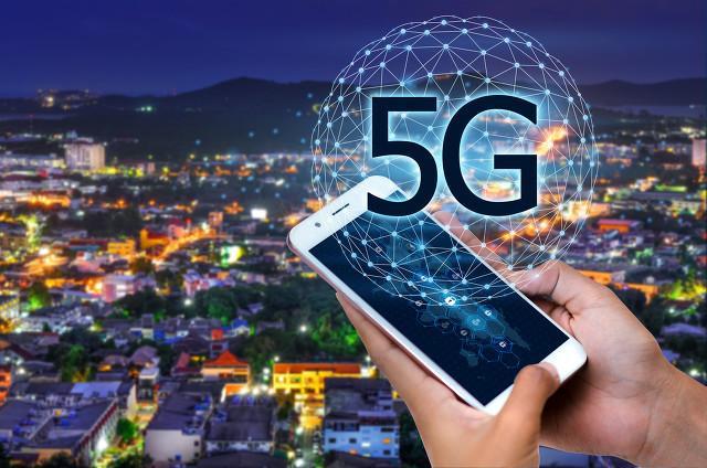 5G进击下手机市场三大趋势  中国电信首款5G定制高端机震撼登场
