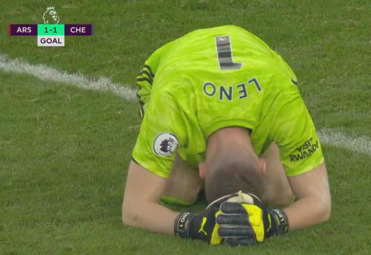 原创             4分钟丢2球!阿森纳主场惨遭绝杀,门将跪地掩面,球迷提前退场