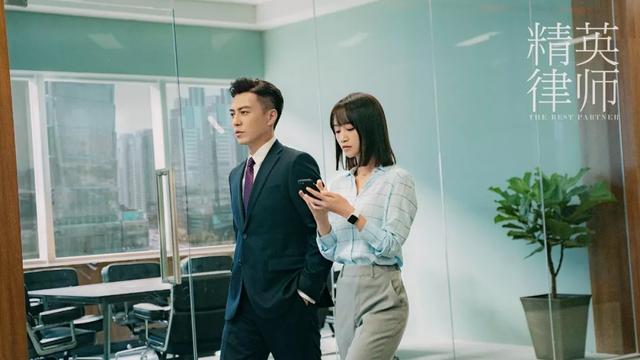 原创             《精英律师》靳东、蓝盈莹遭吐槽?律师就是用嘴赚钱的,台词精彩