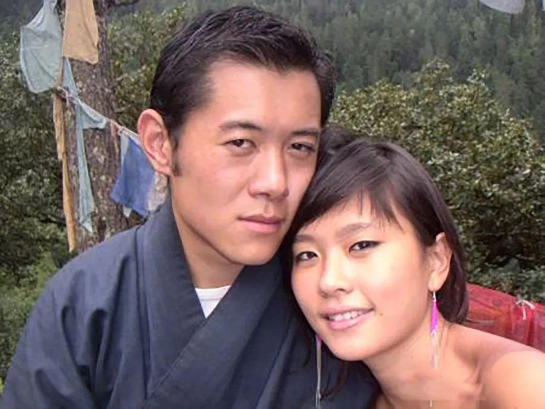 29岁不丹王后怀孕数月,却与英俊国王零交流,冷美人名号当之无愧
