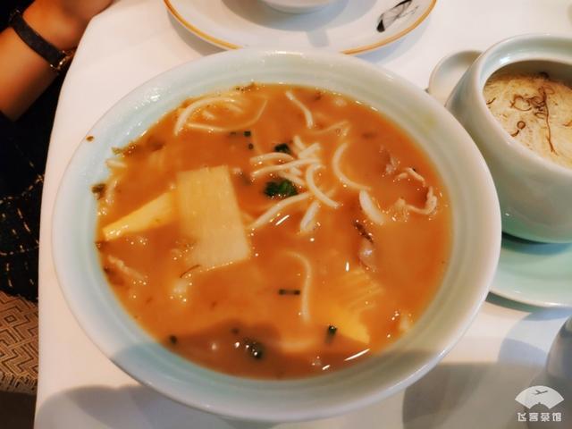 入住国内第一家香格里拉,不愧是五星级饭店,感受吃到淮扬菜精髓