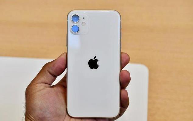 原创             年底买iPhone别乱选!这三款看着买准没错,都是高配低价