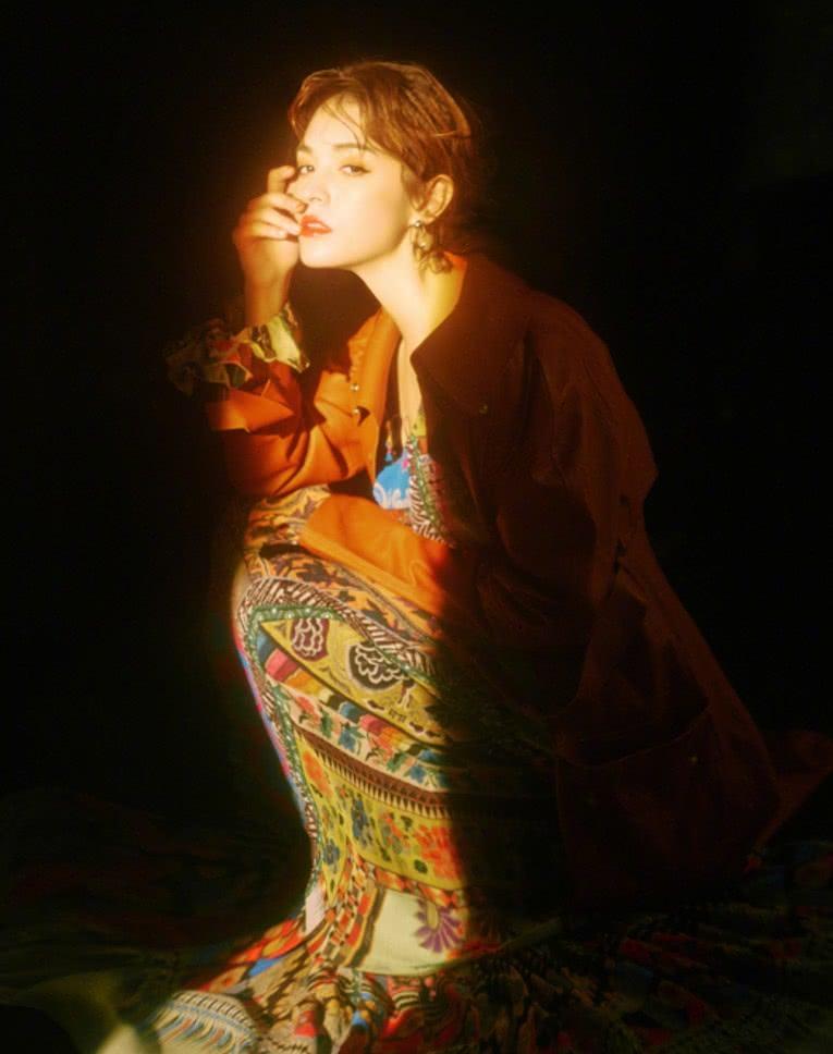 张榕容体重过百自认不适合穿旗袍,被摄影师强烈要求:人间富贵花