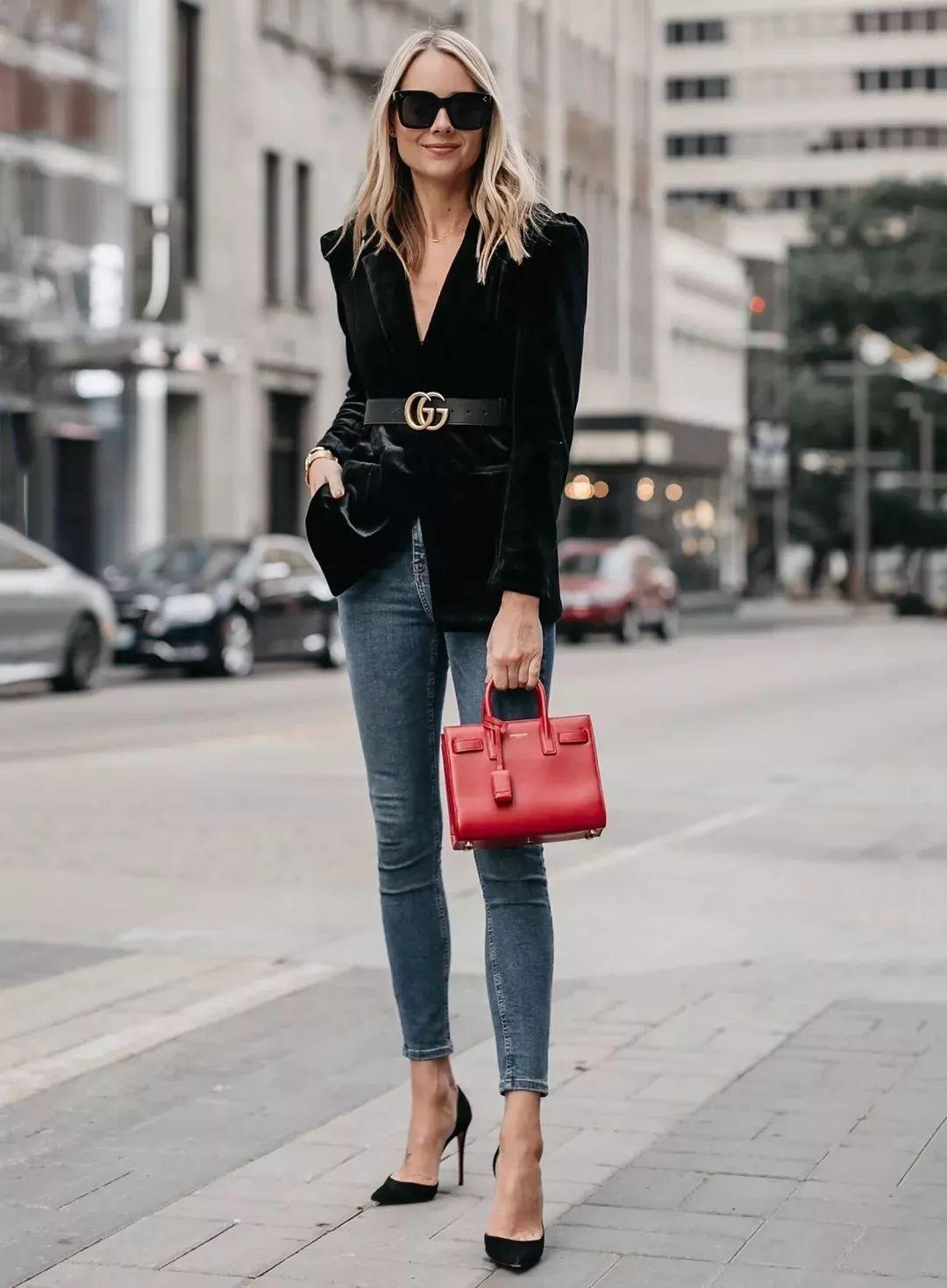 冬天外套配腰带,显高瘦腰巨时髦!