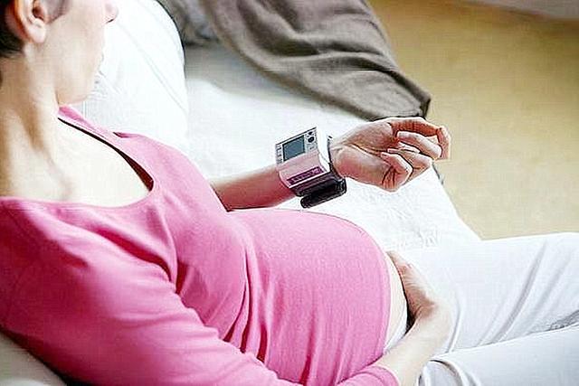 孕妈妈要注意这几种信号,这是宝宝缺氧的求救信号,记得每天检查