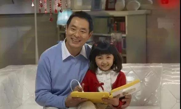 8岁得奖,王宝强求她「留口饭吃」,这爆款小花终于霸屏