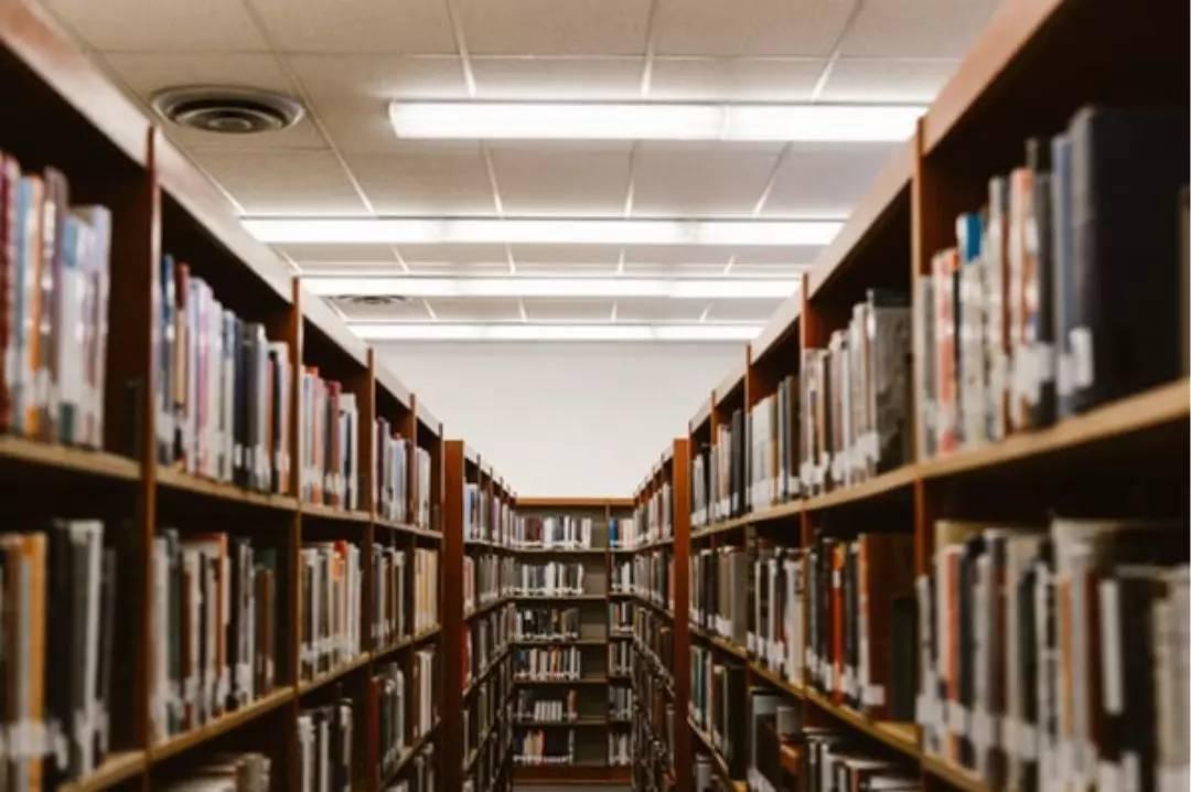 """原创             棕榈大道留学 丨 年度最打脸:""""大学最没用的就是上课"""""""