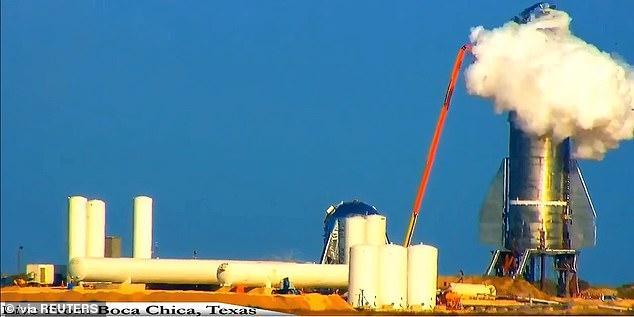 """越挫越勇!星舰测试爆裂40天后,埃隆马斯克发布新的巨型""""穹顶"""""""