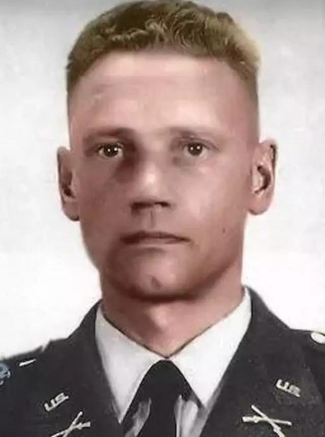 二战德特种兵王到越南效力,座机被我军顾问击落:20年后找到尸体